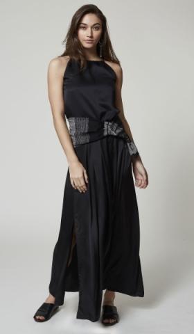 CANGIARI_metamorphic_dress_1_ph_Ivan_Genasi